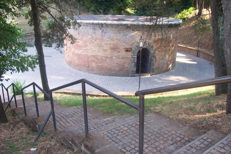 Город ORVIETO по дороге Флоренция-Рим