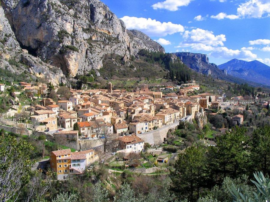 Moustiers-Sainte-Marie - France cities