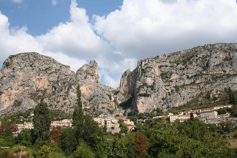 Moustiers-Sainte-Marie - France cities