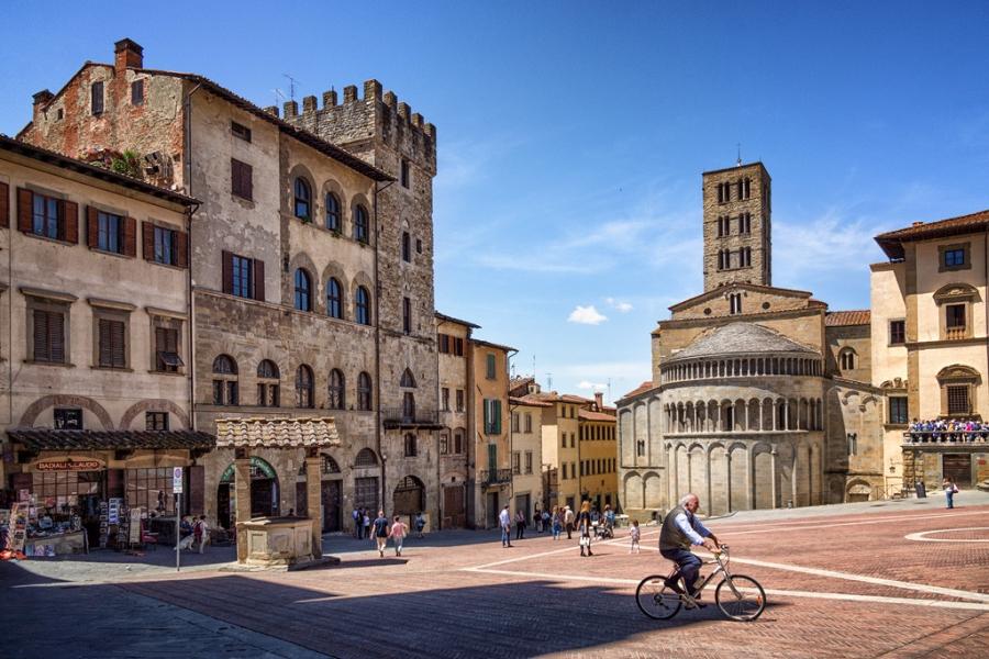 Ареццо - Италия Города