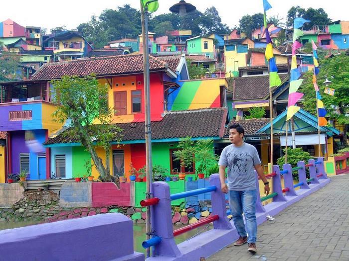 Кампунг Пеланги - радужная деревня - Индонезия Курорты