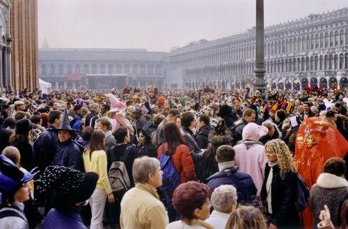 Жители Венеции потребовали ограничить количество туристов в городе