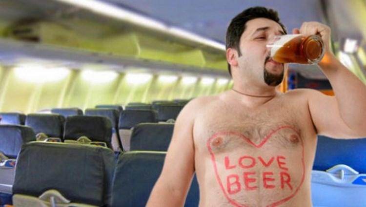 США: за три часа полета пассажиры выпили весь алкоголь