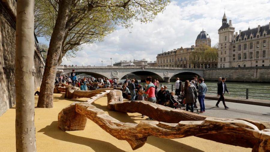 Парк Rives de Seine открылся в Париже