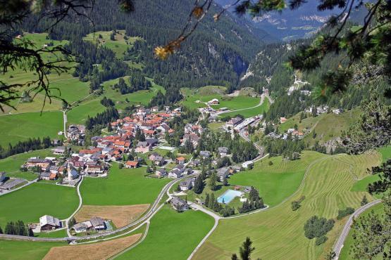 Туристам запретили фотографировать деревню в Швейцарии из-за ее красоты