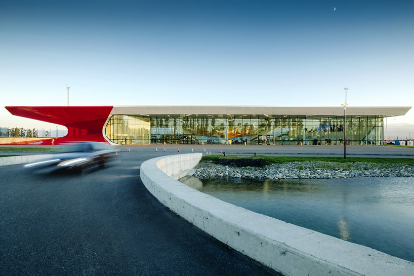 Аэропорт в Кутаиси попал в список 12 самых красивых аэропортов мира