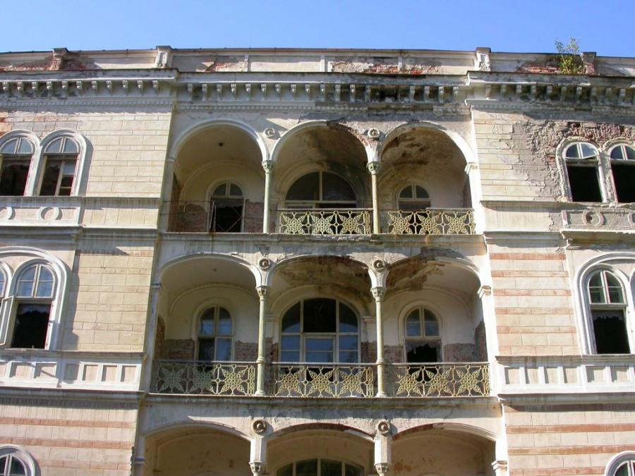 Румынский отель с призраком продают за 1 млн евро
