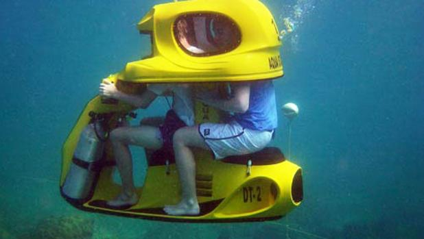На Тенерифе появился мотоцикл для подводного плавания