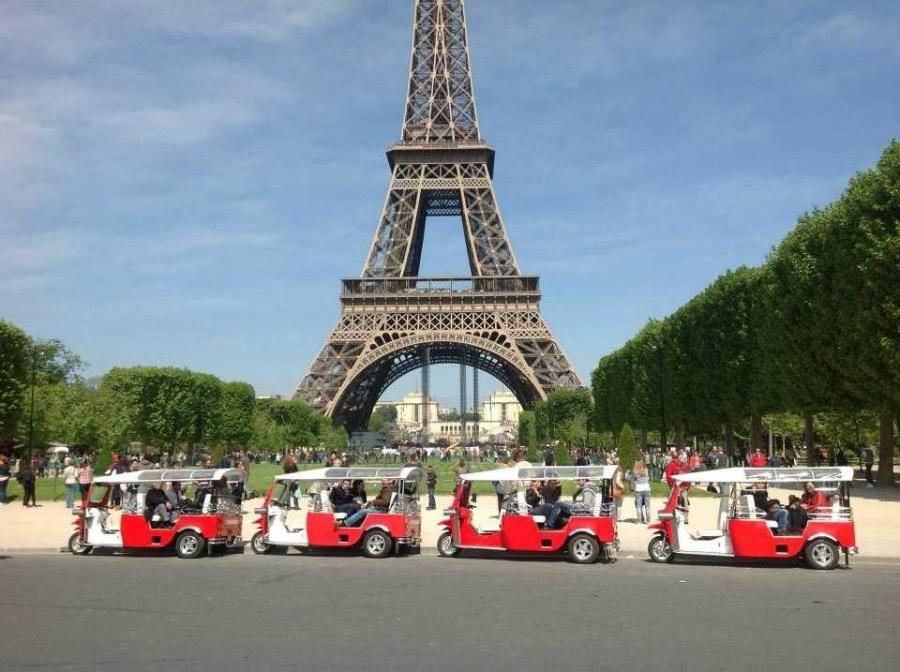 Париж предложит экскурсии на необычном транспорте