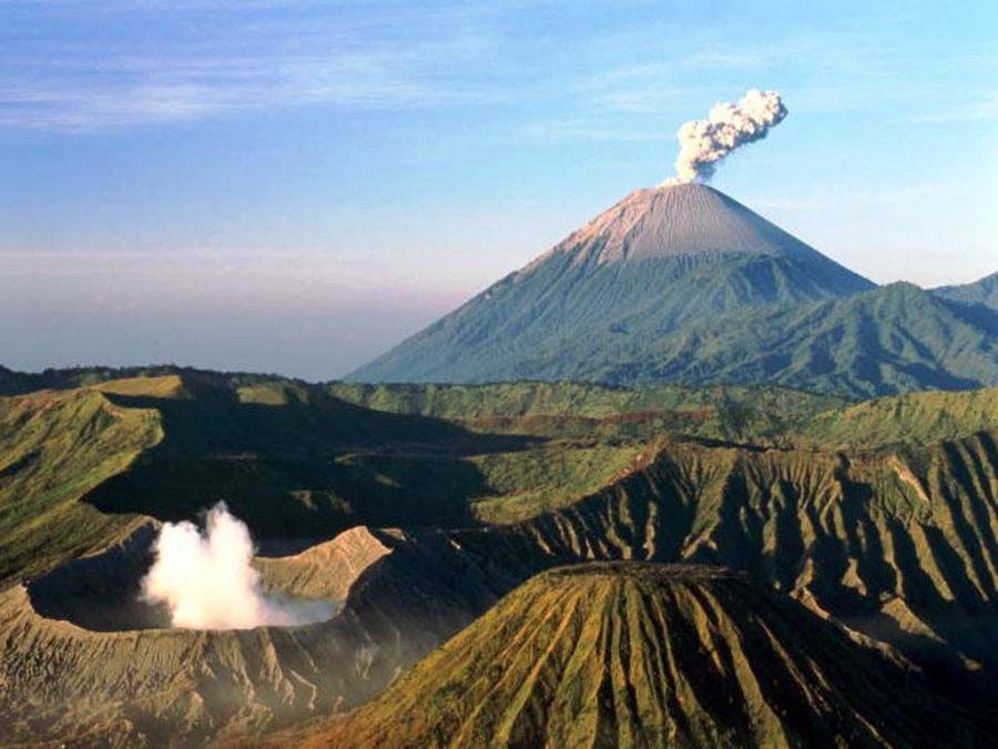 Извержение вулкана Агунг на индонезийском острове Бали неизбежно