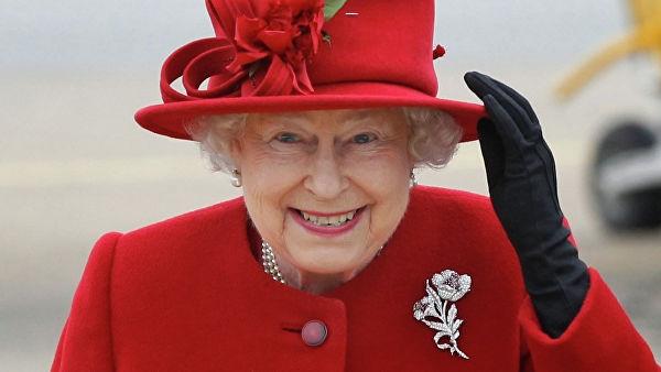 Королева Великобритании разыграла не узнавших ее американских туристов