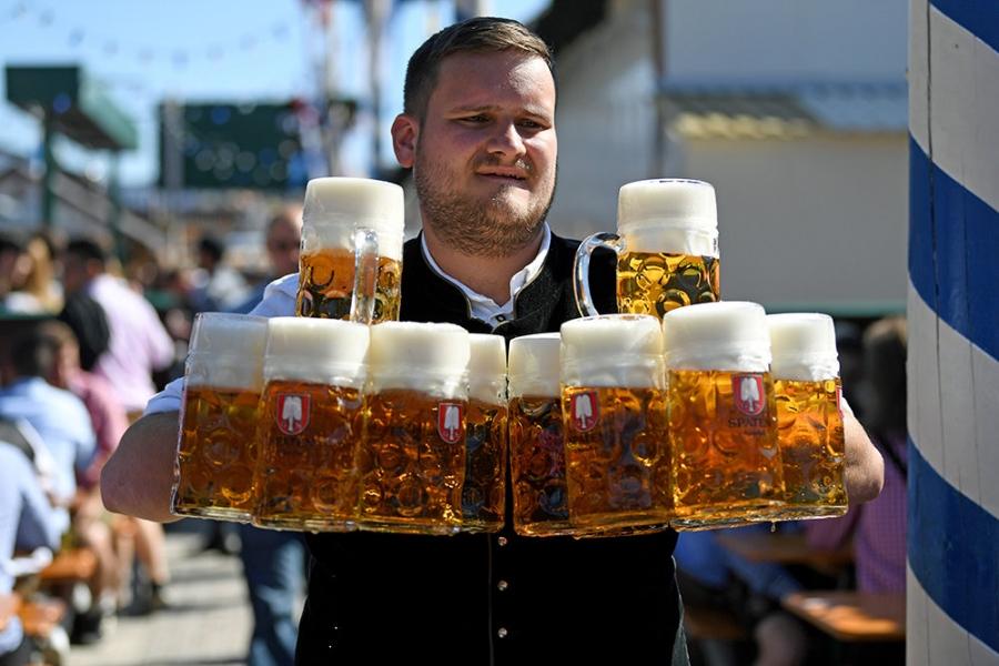 В Германии в субботу открылся фестиваль пива «Октоберфест»