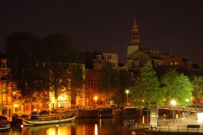 Дешевые билеты в Амстердам из Санкт-Петербурга от 8000 RUB туда-обратно (RT)