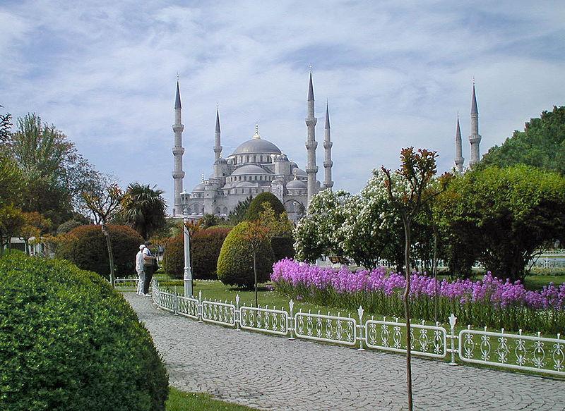 Дешевые билеты в Стамбул из Санкт-Петербурга от 8700 RUB туда-обратно (RT)