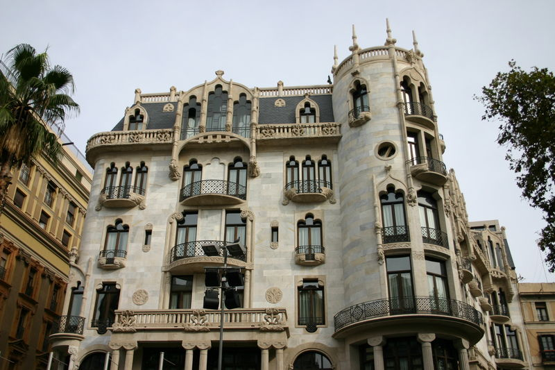 Дешевые билеты в Барселона из Санкт-Петербурга от 8500 RUB туда-обратно (RT)