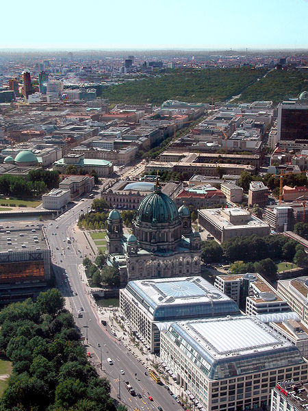 Дешевые билеты в Берлин из Санкт-Петербурга от 5100 RUB туда-обратно (RT)