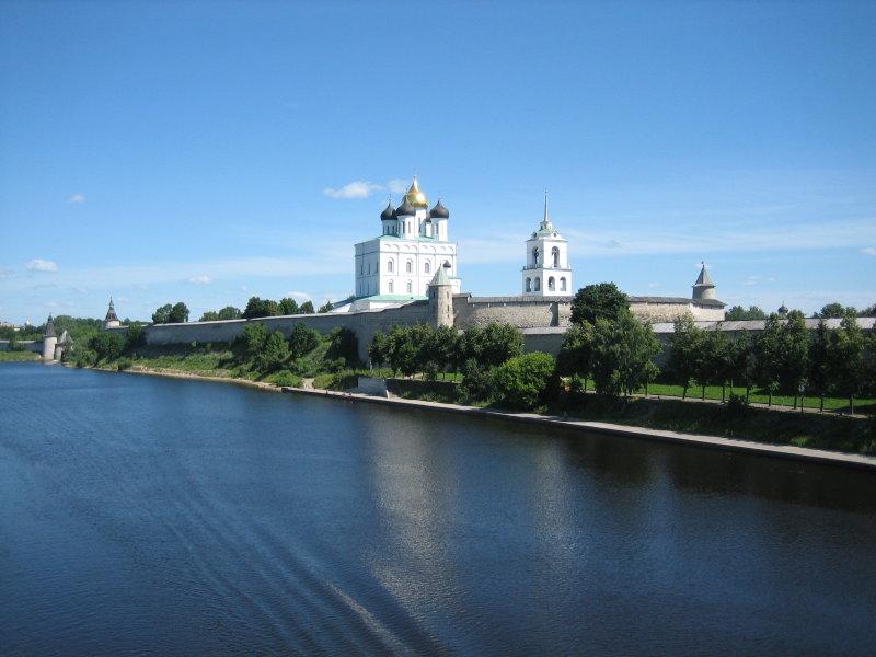 Дешевые билеты в Псков из Санкт-Петербурга от 1500 RUB туда-обратно (RT)