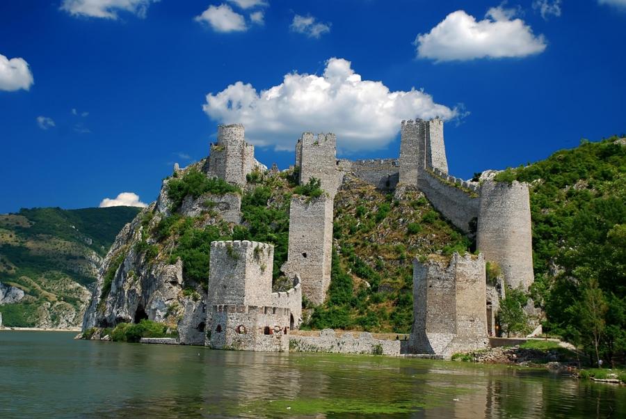 Сербия вернулась к показателям 2014 года по числу туристов из России